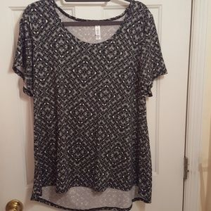 Only worn once Lularoe Classic T size 2xl